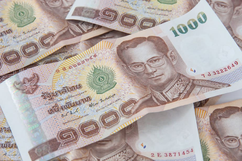 Thai-Baht - tips to save money in thailand