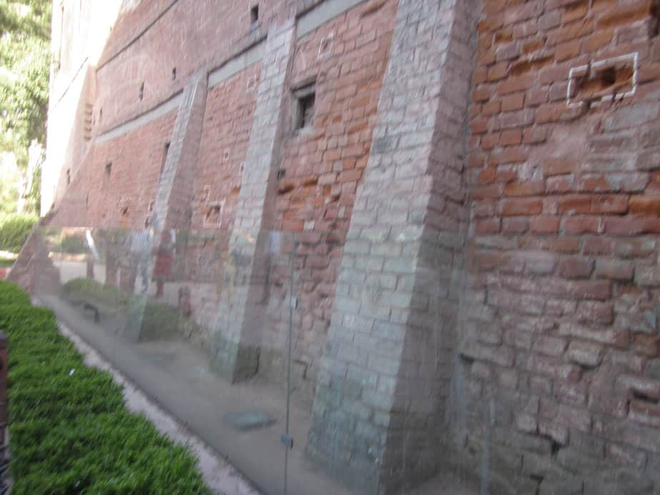 Bullet marks in Jallianwala Bagh walls marked in white