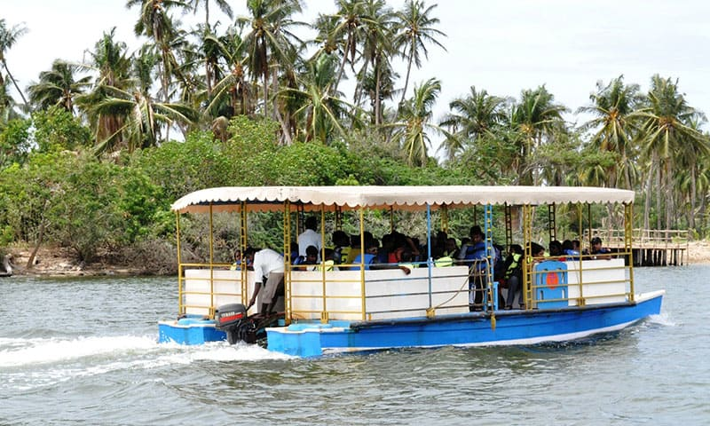 chunnambar-boat-house1