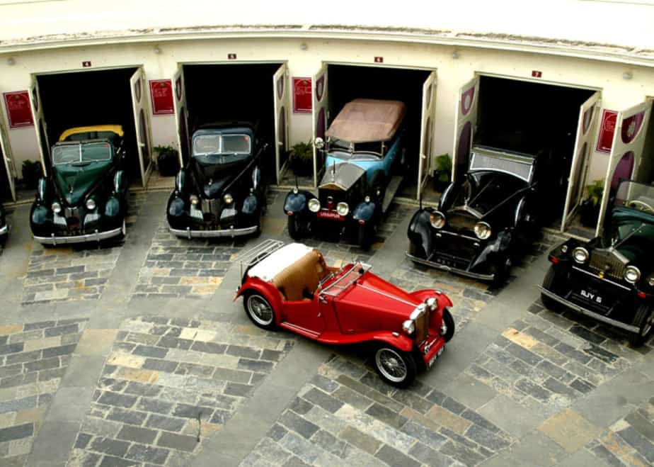 vintage-car-museum-udaipur-view-over-the-compound-housing-the-cars