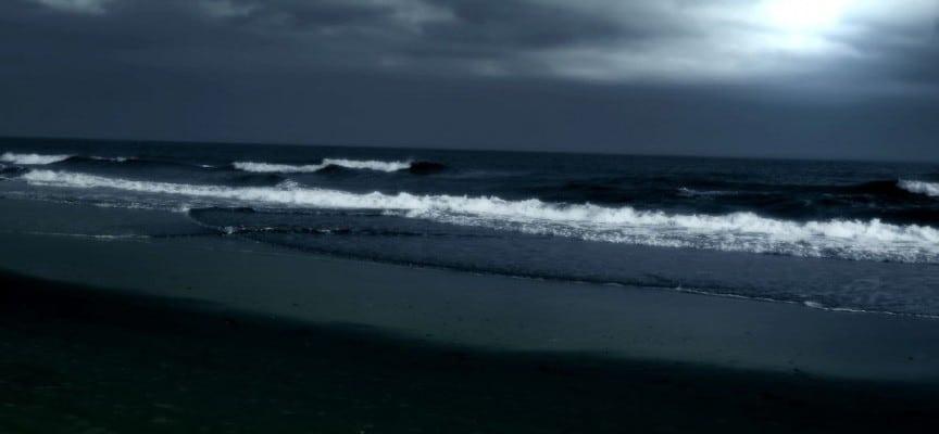 most-haunted-beach-world-india-surat-dumas